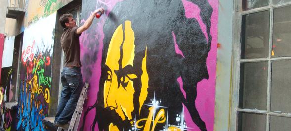 affiches et street art lib rons mumia. Black Bedroom Furniture Sets. Home Design Ideas